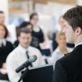 6 alasan wajib jago public speaking