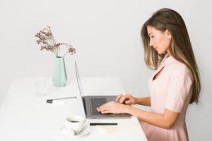 8 etika mengikuti online meeting